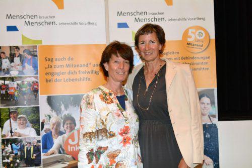 Gabriele Nußbaumer (r.) freut sich, dass ihr Vorschlag,Adriane Feurstein zur Nachfolgerin zu wählen, von Erfolg gekrönt war.Lebenshilfe