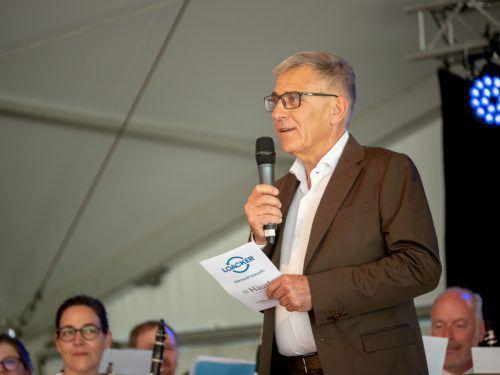 Geschäftsführer Karl Loacker hieß sein Team persönlich willkommen.