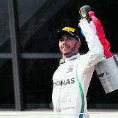 Hamilton schlägt zurück