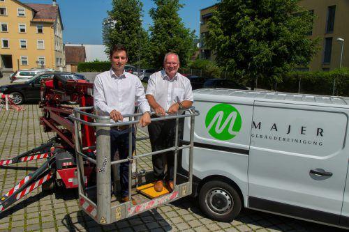 Hans und Stefan Majer (l.) sind überzeugt: Der KMU-Preis hat sie in der Weiterentwicklung ihrer Firma unterstützt. VN/Paulitsch