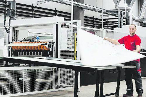 Heuer wurde von Rondo die erste industriell fertigende Digitaldruckmaschine in Betrieb genommen. Sie bedruckt bis zu 4000 Verpackungen pro Stunde. Firma