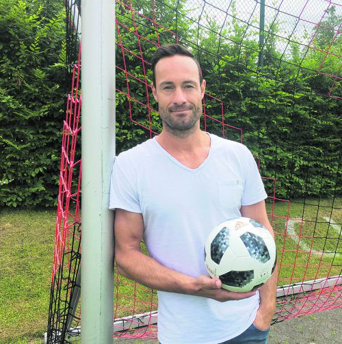 """""""Ich habe die Österreicher kennen- und liebengelernt"""", schwärmt Fußballtrainer Joachim Baur aus Deutschland. VN/tag"""