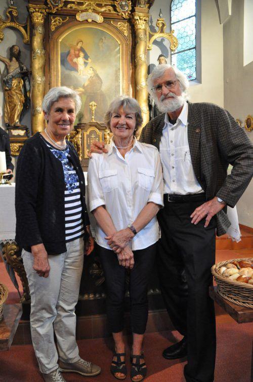 Im Dienst des Kirchleins: Martha Rödhammer mit Brigitte und Erich Vonblon.