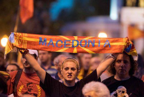 In Skopje demonstrierten zahlreiche Menschen gegen die Namensänderung. AFP