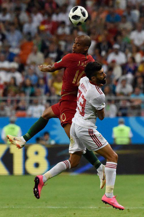 Irans Verteidiger Ramin Rezaian machte es mit seinen Kollegen dem amtierenden Europameister Portugal schwer, sie hätten Ronaldo und Co. beinahe aus dem Bewerb geworfen.afp