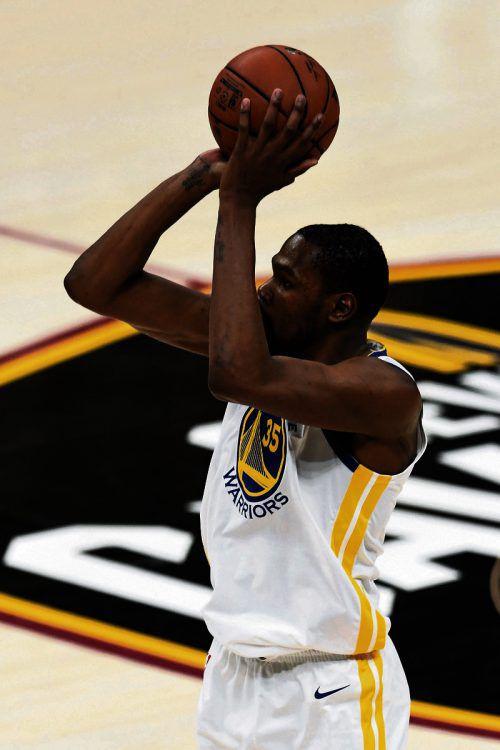 Kevin Durant führte Golden State mit 43 Punkten zum Sieg. ap