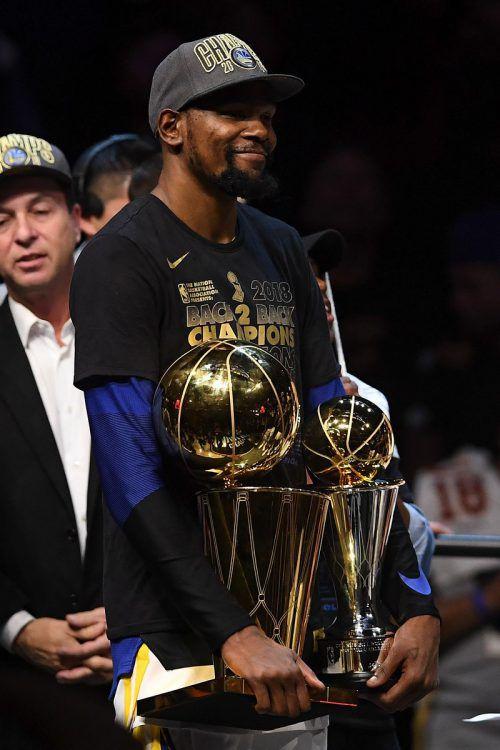 Kevin Durant wurde als wertvollster Spieler (MVP) der Finals ausgezeichnet.AFP