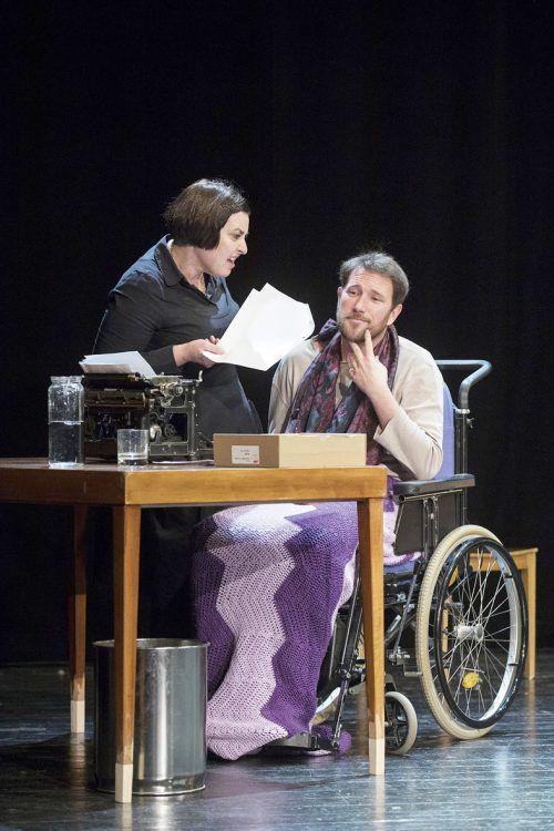 Kings Psychothriller der Extraklasse wurde von William Goldman für die Bühne dramatisiert. Tatjana Schnalzger