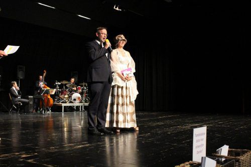 Kulturreferent Daniel Steinhofer mit mtvo-Präsidentin Margit Hinterholzer.