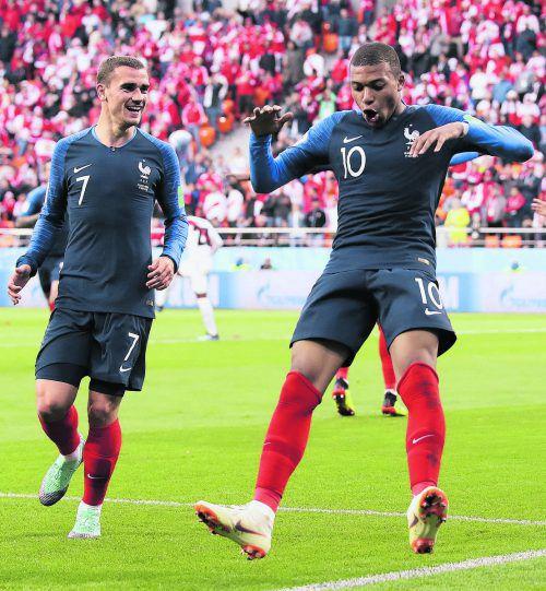Kylian Mbappe jubelt als jüngster französischer WM-Torschütze.ap