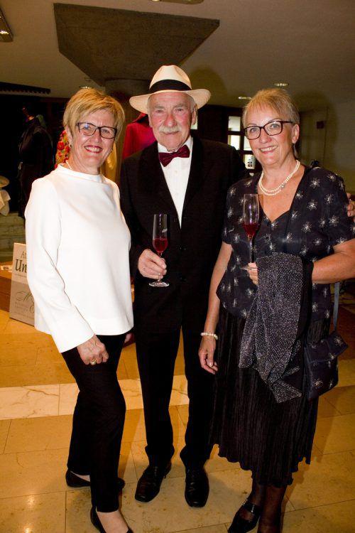 Marie-Luise Dietrich (l.) mit Otto und Veronika Hofer.