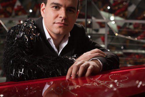 Mario Pecoraro mit einem spritzigen und tanzbaren Partyprogramm. hanno mackowitz