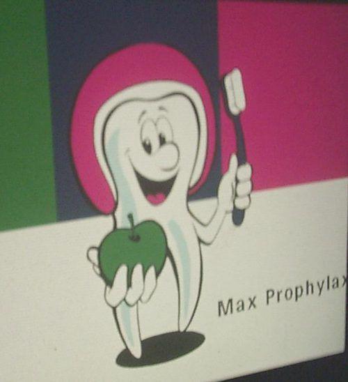 Max Prophylax hat schon vielen Kindern die Angst vor dem Zahnarzt genommen. Die Erfolge können sich inzwischen sehen lassen. vn