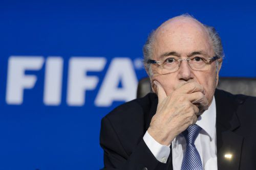 Mit Fußball darf der ehemalige FIFA-Präsident Joseph Blatter nichts mehr zu tun haben, dennoch reist er auf Einladung von Wladimir Putin zur WM nach Russland.afp