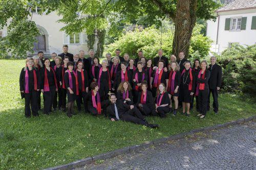 Neben dem Bregenzer Kammerchor (im Bild) treten auch Cantores Brigantini, das Fluher Chörle beim Benefizkonzert am Sonntag auf. F. Satler