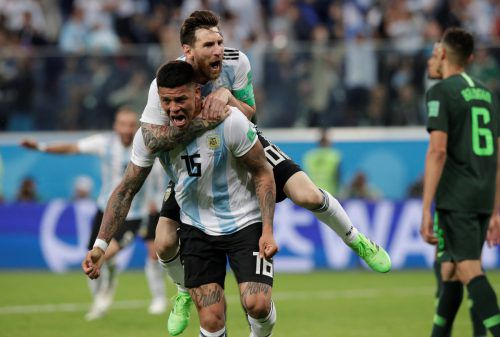 Nicht Gonzalo Higuain, nicht Lionel Messi, sondern Argentiniens Verteidiger Marcos Rojos erzielte das Goldtor zum 2:1-Sieg über Nigeria und bewahrte die Albiceleste vor dem frühzeitigen WM-Aus.afp