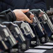 Immer mehr Zivilisten bewaffnet