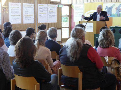 """""""Ob Sorge mit 18 enden darf?"""", lautete der Titel der Fachtagung Vorarlberger Kinderdorf. ama"""