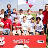 Nachwuchskicker des FC Hard mitÜberraschung beim Coca-Cola-Cup