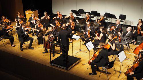 Orchesterverein ließ für zahlreiche Fans klassischer Klänge in der Kulturbühne Ambach in Götzis keine Wünsche offen. CEG