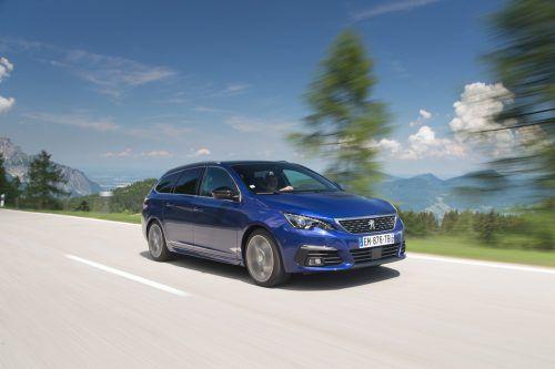 """Peugeot 308 SW: Der kompakte Löwe wurde nach der Neuauflage 2014 mit einem """"Red Dot Design Award"""" preisgekrönt. Die Leistungsbandbreite: 100 - 225 PS."""