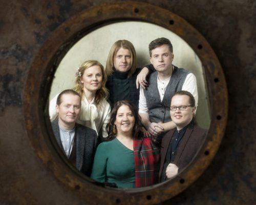 Präsentieren ein Feuerwerk an Kellys-Hits in Dornbirn: The Kelly Family.Helen Sobiralski