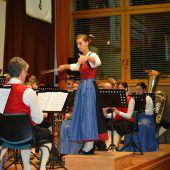 Mit Taktstock und Trompete