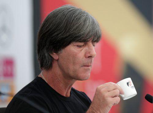 Stärkt sich vor der Nominierung des deutschen Kaders für die Fußball-WM mit einem Espresso: Bundestrainer Joachim Löw. Reuters