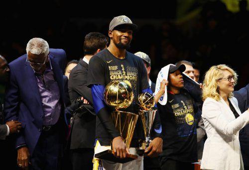 Superstar Kevin Durant zieht Option und steigert seinen Marktwert. AFP