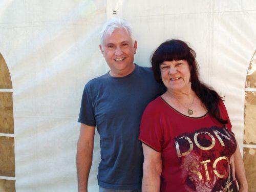 Unter den Gästen: Songwriter Alfred Bischof und Musikerin Ingrid Huberti.