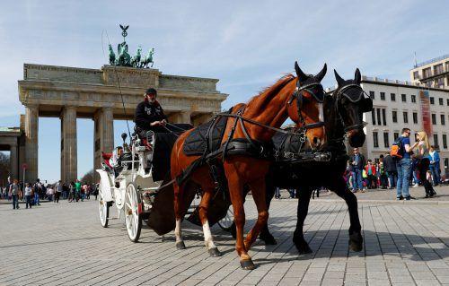 Wenn Österreicher ins Ausland arbeiten gehen, dann am liebsten in Länder, deren Sprache sie verstehen - Deutschland ist im beliebtesten.?Reuters