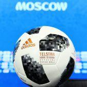 Der Telstar 18, ein WM-Ballmit süßer Hülle