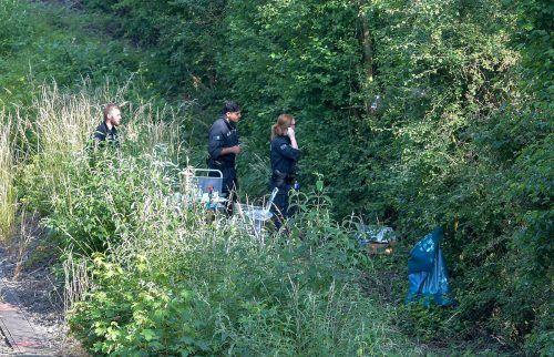 Zwei Wochen war nach Susanna gesucht worden. Ihre Leiche wurde in einem Erdloch in einem schwer zugänglichen Gelände gefunden. Nach Ali B. wird gefahndet. Reuters