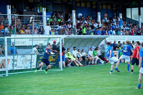 27 Mannschaften rittern um den ersten Platz im Fußballtunier.