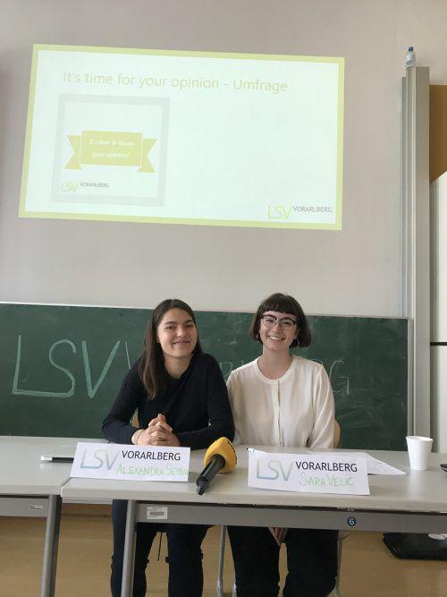 Alexandra Seybal und Sara Velic (v.l.) von der Aktion kritischer Schüler: Gemeinsam machen sie sich für Schüleranliegen stark.VN/Hämmerle