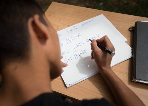 Am Ende der einjährigen Ausbildung in den Übergangslehrgängen steht eine Einstufungsprüfung für die 15- bis 19-jährigen Flüchtlinge an. APA