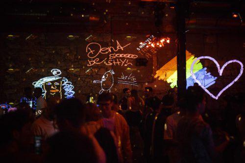 Am Samstag ab 19 Uhr können Besucher wieder die Wände des Conrad Sohm in eine Gedankenlandschaft verwandeln und ihrer Kreativität freien Lauf lassen. Dietrich Blickwinkel