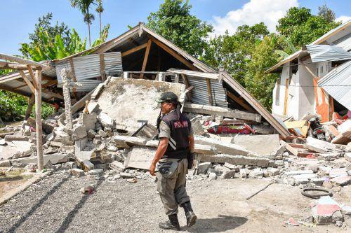 Auf der Ferieninsel sind mehr als 1000 Häuser beschädigt worden. Viele Opfer wurden von herabgefallenen Betonplatten erschlagen oder verletzt. afp