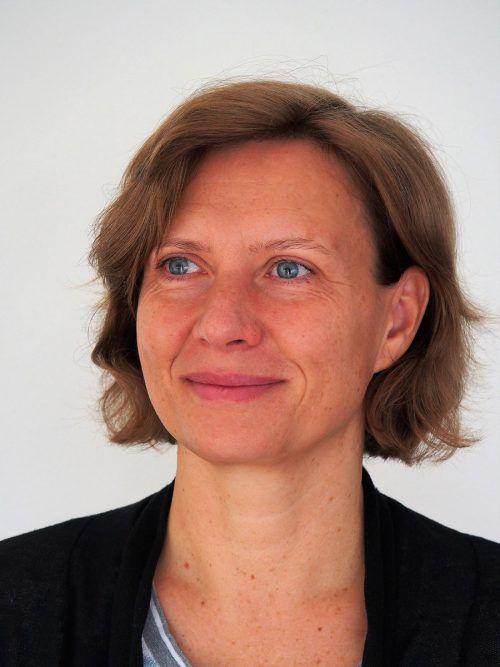"""Autorin Marlene Kilga liest heute aus ihrem Buch """"Die Chimäre der Schattenburg"""" bei russmedia. kilga"""