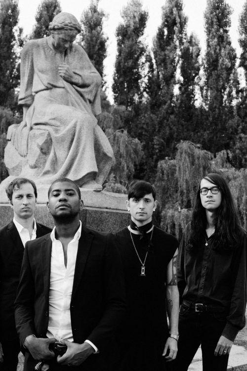 Bei Algiers treffen Roots- und Gospel-Anleihen auf Industrial- und Post-Punk-Attitüde. Joe Dilworth