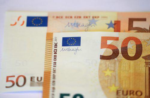 Bei Fälschern sind 50-Euro-Banknoten besonders beliebt. Reuters