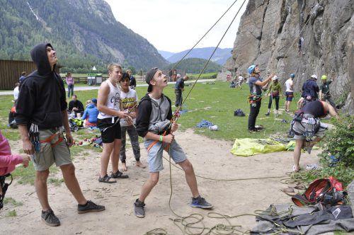 Beim gemeinsamen Klettern im Ötztal konnten sich die Jugendlichen austoben und an ihre Grenzen gehen. VillaK