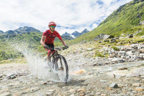 Beim M3 Montafon Mountainbike Marathon geht es für die Teilnehmer durch die malerische Montafoner Bergwelt. MT