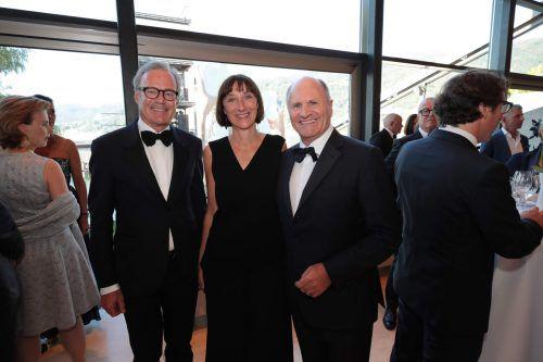 Cercle-Vorstand Gebhard Sagmeister, Intendantin Elisabeth Sobotka und Präsident Hans-Peter Metzler.