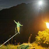 Slackliner stürmte in 30 Metern Höhe den Gipfel des Lodertörls