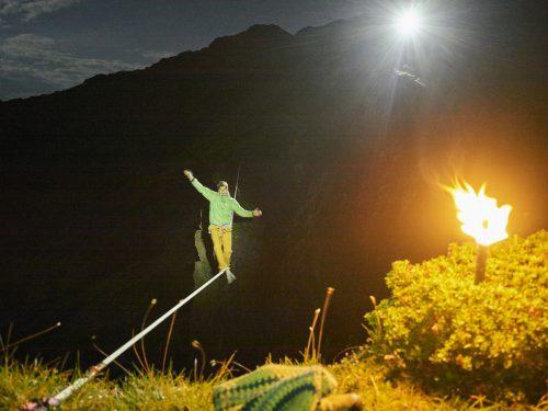 Christian Waldner balancierte auf einer 35 Meter langen Highline. APA/niederwieser