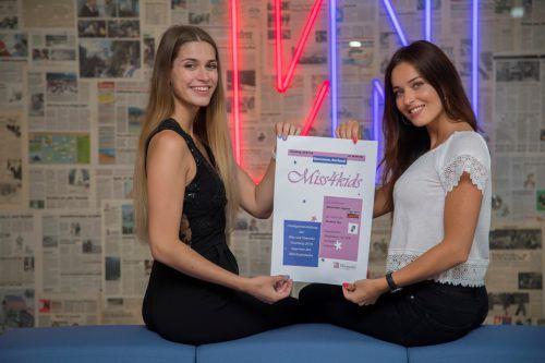 Daria Schuricht und Izabela Ion freuen sich auf ihr erstes gemeinsames Charity-Projekt in Übersaxen und präsentierten stolz ihr selbst designtes Plakat. VN/tag