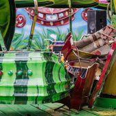 Gondel fliegt aus fahrendem Karussell: Vier Kinder verletzt