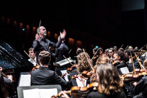 Das Konzert mit dem Sinfonieorchester hat für die Studenten einen ganz besonderen Stellenwert.victor marin