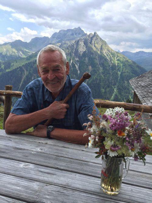 """""""Das Leben auf der Alpe Röbi ist traumhaft"""", schwärmt Herbert Egle. VN/kum"""